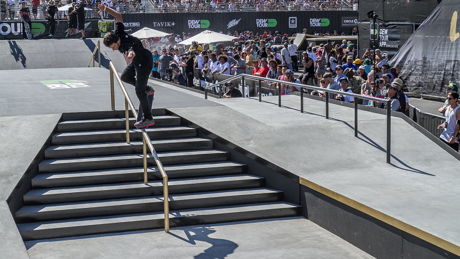 Micky Papa locked into a picture perfect backside overcrook and ultimately earned the highest score in the rails section. Photo: Durso