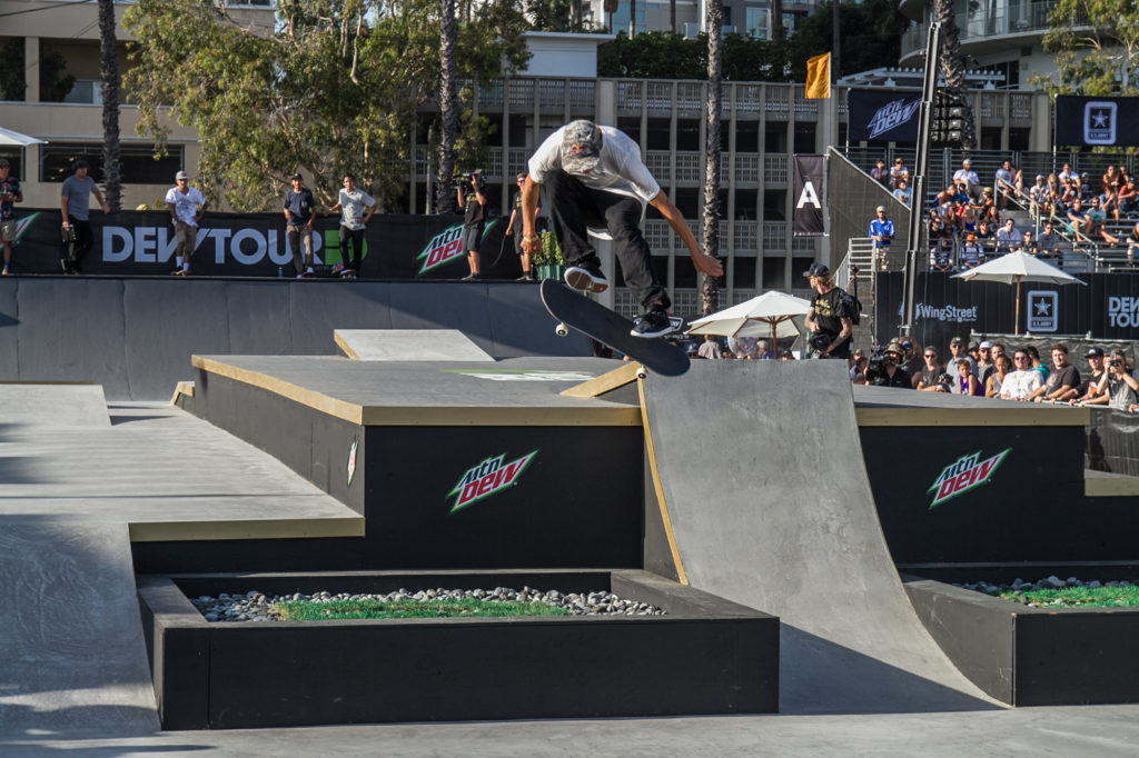 Ryan_Decenzo_Tre Flip_Gap_street_dew_tour_long_beach_Durso