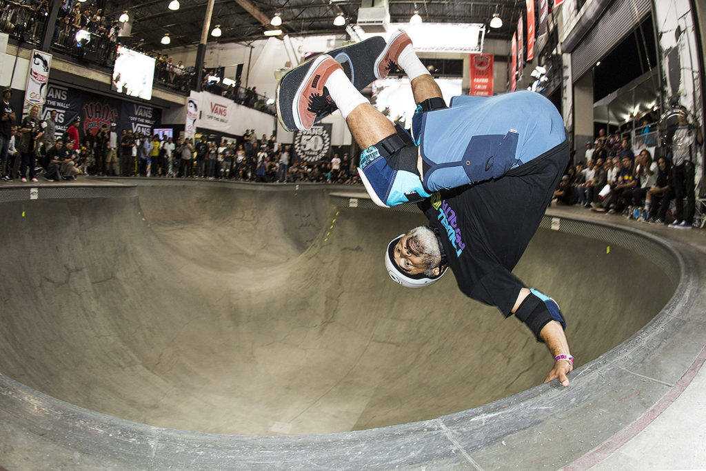 Steve Caballero pulling out a classic frontside invert at the Vans Combi Pool. Photo: Ortiz