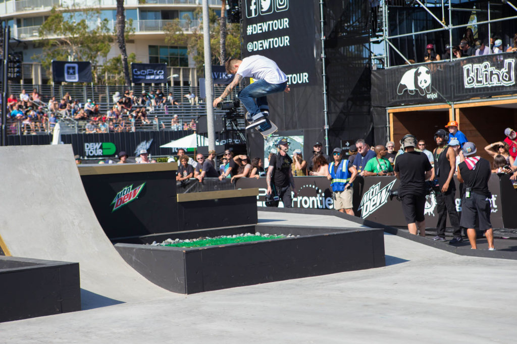 cody_mcentire_gaps_team_dew_tour_long_beach_kanights_01