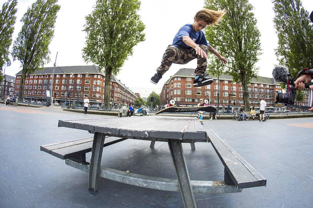 collin_slew_switch_bs_flip_am_series_amsterdam_ortiz_28